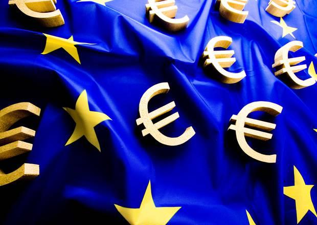 DIA-Studie_Sozialstaaten_EU-Fahne