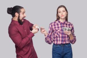 Deutsche denken öfter an Geld als an Partner