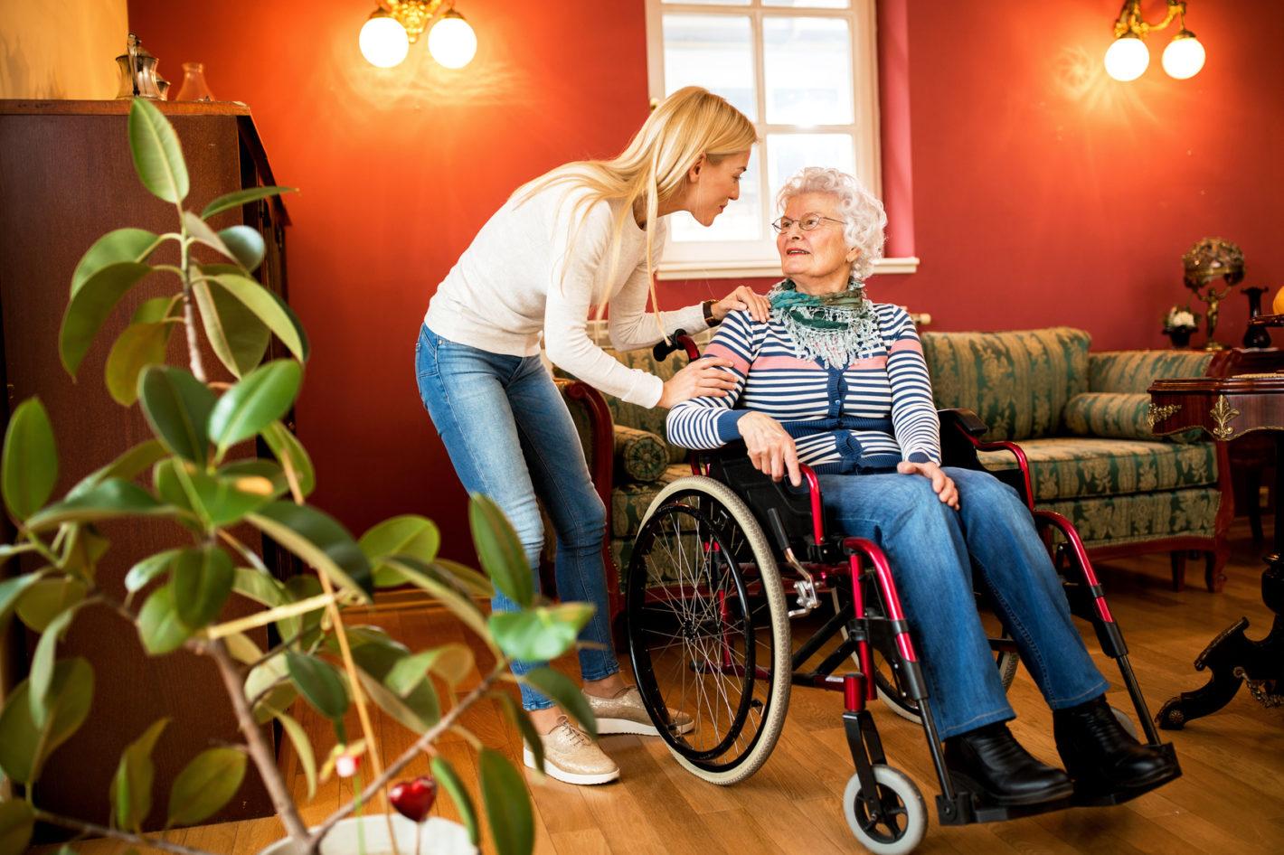 Mehrheit will Pflegegeld für Angehörige